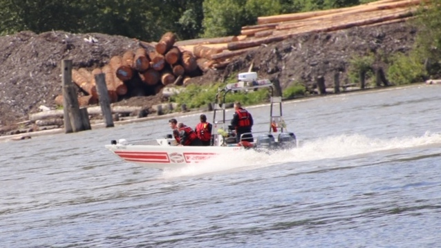 Police and paramedics are responding to a report of a plane crash in the Fraser River Saturday afternoon, but police say nothing has been found yet and no planes have been reported overdue. (Shane McKichan)