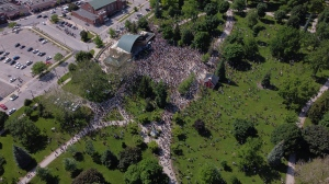 Drone footage of the Black Lives Matter rally in London Ont. on June 6, 2020. (Courtesy: @blackcurtis/Twitter)
