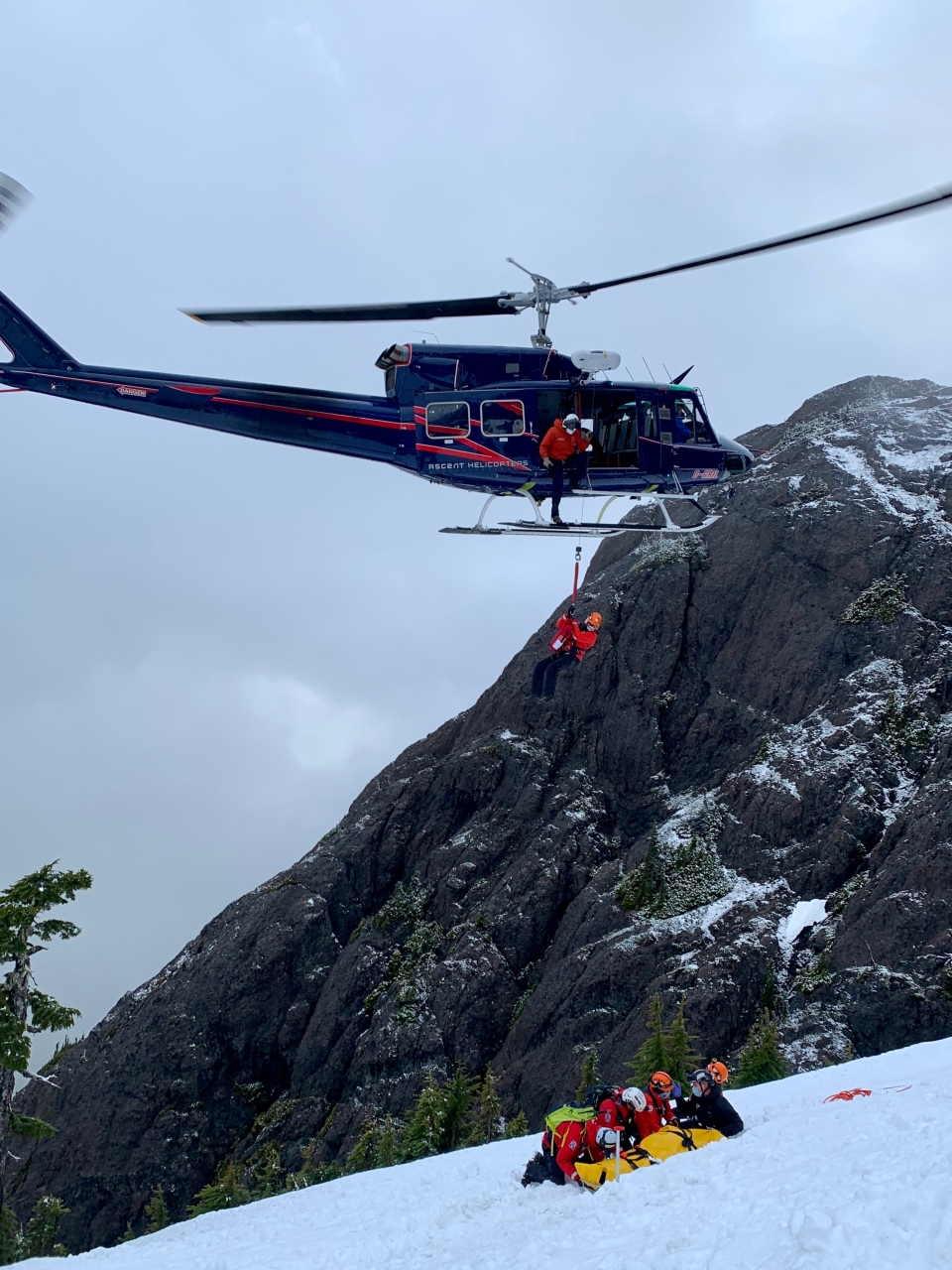 Volunteers from Alberni Valley Search and Rescue were the first to reach the injured man, but it was the hoist team - made up of searchers from Campbell River and Comox Valley teams - that performed the extraction. (Photo: Alberni Valley Rescue Squad)