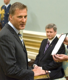 Maxime Bernier is sworn in as the new Minister of Foreign Affairs at Rideau Hall, August 14, 2007 in Ottawa. (CP / Fred Chartrand)