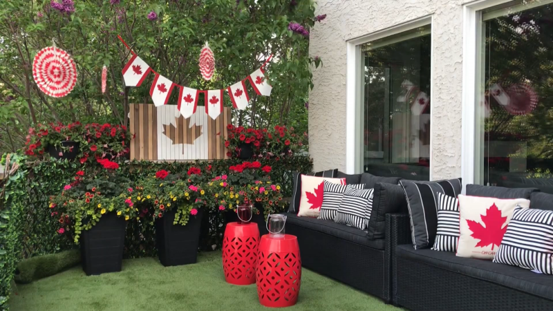 Aness Handous, Canada Day decore