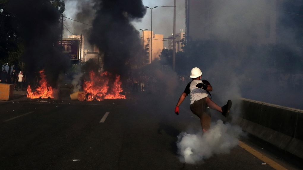 Lebanon protesters chant 'we are starving' as financial crisis deepens