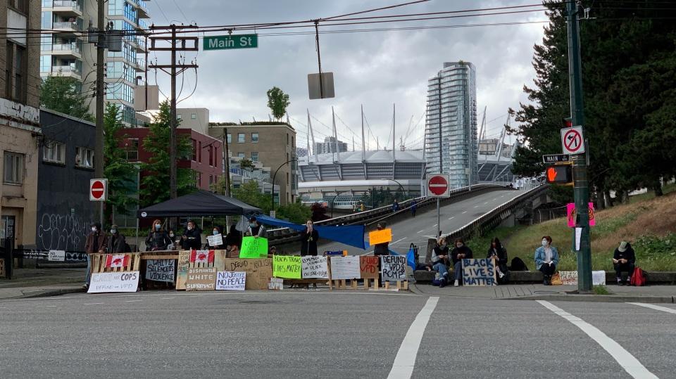 Viaducts blockade