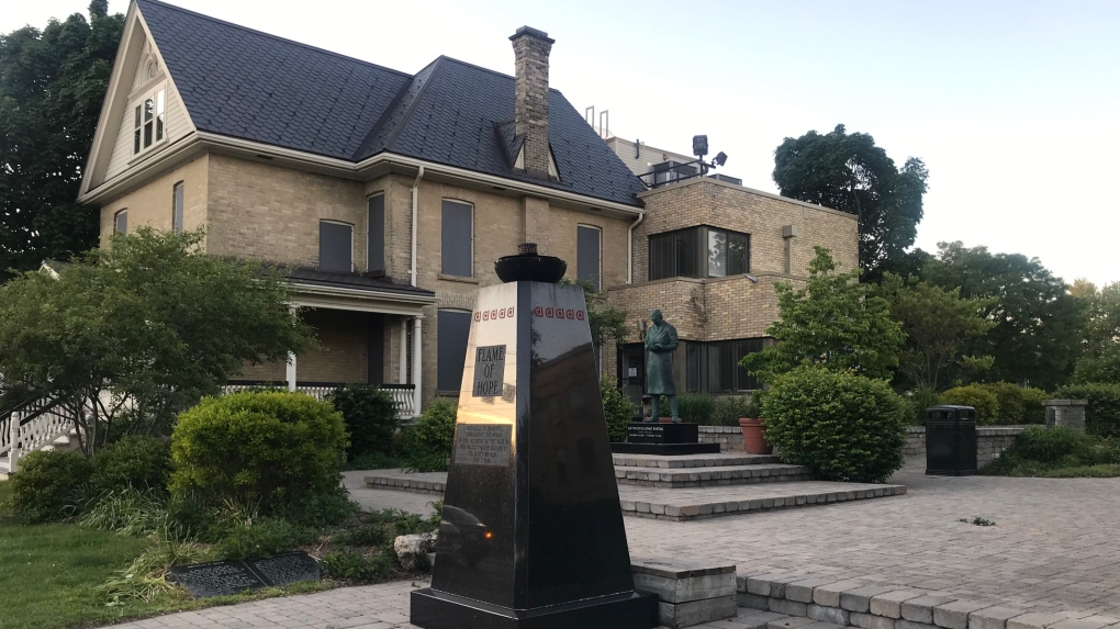 Flame of Hope extinguished by vandals
