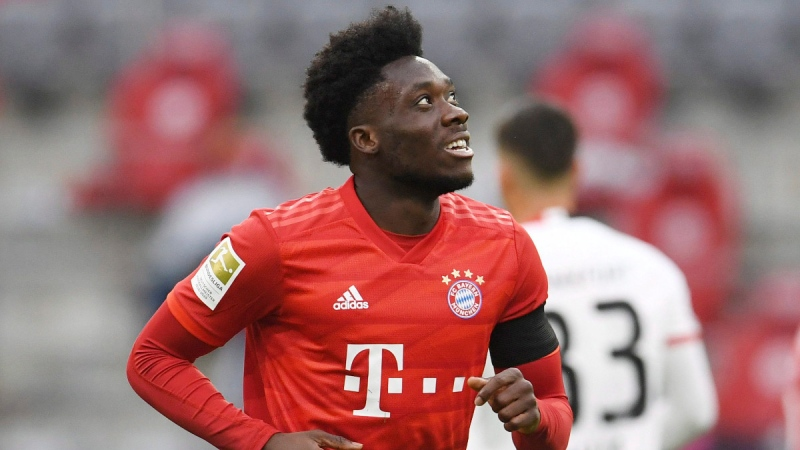 Bayern Munich's Alphonso Davies celebrates scoring Munich's fourth goal during the German Bundesliga soccer match between Bayern Munich and Eintracht Frankfurt in Munich, Germany, on May 23, 2020. (Andreas Gebert / pool via AP)