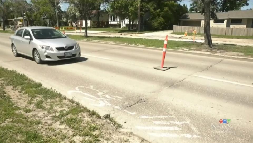 Roblin Blvd bike lanes