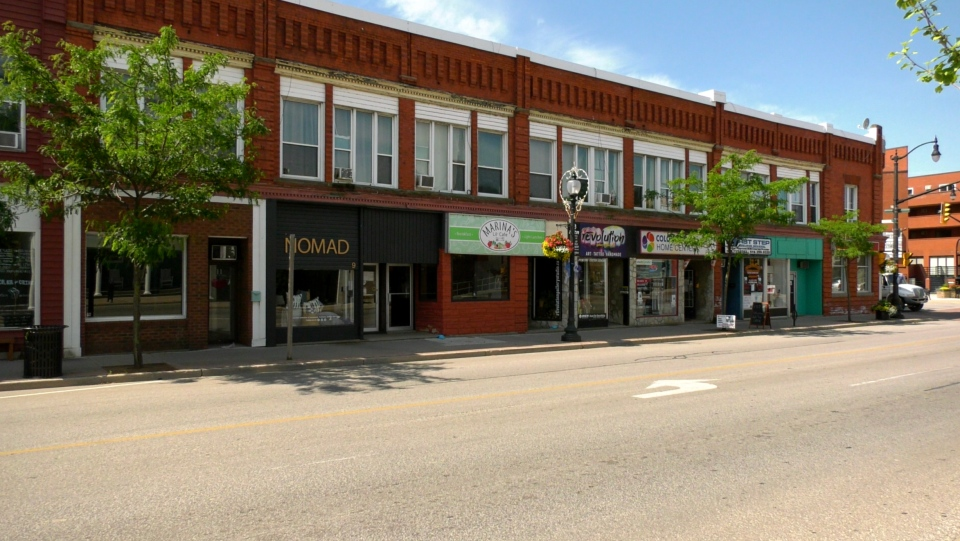 Businesses remain closed in downtown Kingsville On June 25, 2020, one day after province announces the town and Leamington will remain in Stage 1. (Rich Garton / CTV Windsor)
