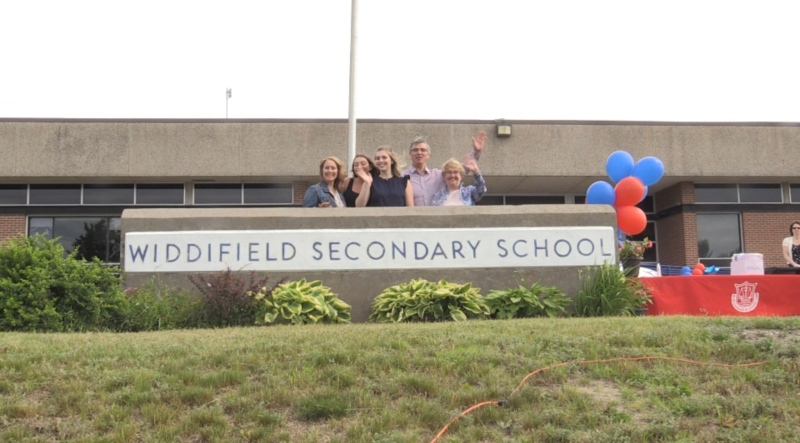 North Bay high school celebrates last graduation.