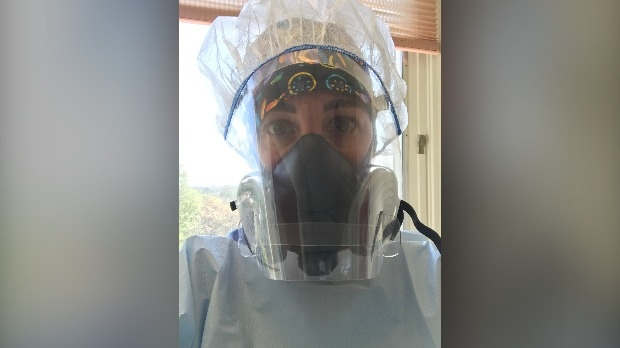 Heather-Lynne Goody working in her job as a nurse practitioner for surgical services (Supplied: Heather-Lynne Goody)