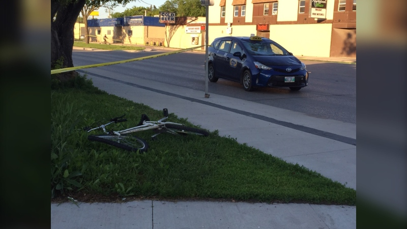 The crash took place on Keewatin Street. (Source: Gary Robson/CTV Winnipeg)