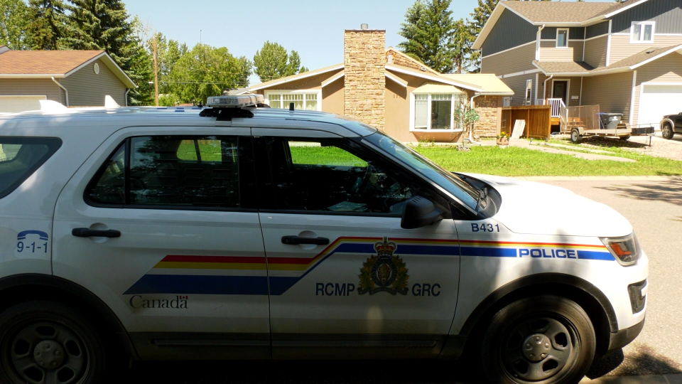 RCMP at the 200 block of Third Street West in Warman on July 3, 2020. (Laura WOodward/CTV Saskatoon)