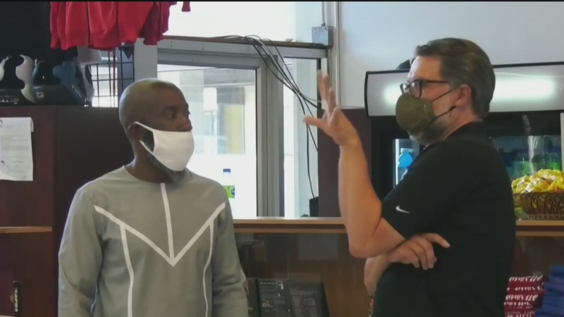 A well-known boxing gym in St-Michel was transformed to a clinic offering free legal advice.