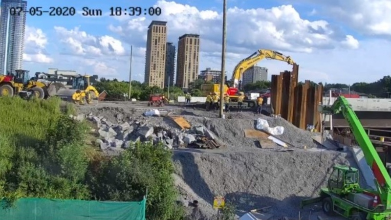 (Source: Hwy 417 CPR/O-Train Bridge Replacement Live Stream Camera)