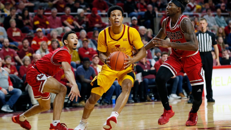 Iowa State guard Rasir Bolton, centre, drives to the basket, on Nov. 12, 2019. (Charlie Neibergall / AP)