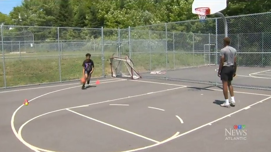 Unable to access to their home court, members of the Saint Mary's University men's basketball team have taken their show on the road and are offering on-court training to kids across the Halifax Regional Municipality.