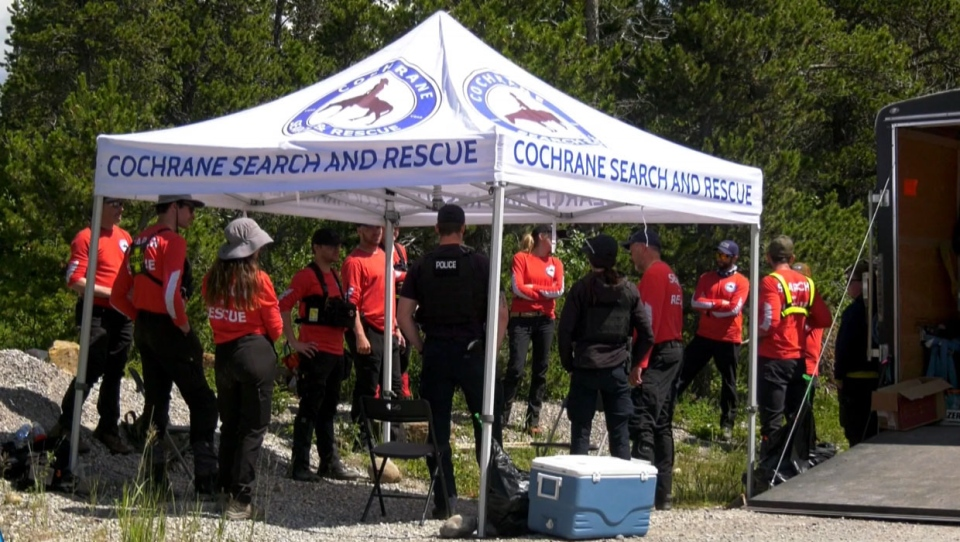 Search and rescue crews, along with RCMP, gathered Sunday to resume the effort to find Sara Coates, a Cochrane woman who disappeared in Aug. 2012.