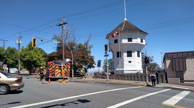 Nanaimo RCMP searching for 2 people seen at Bastion building fire