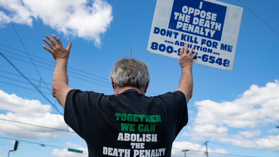 Protesting the death penalty in Terre Haute, Ind.