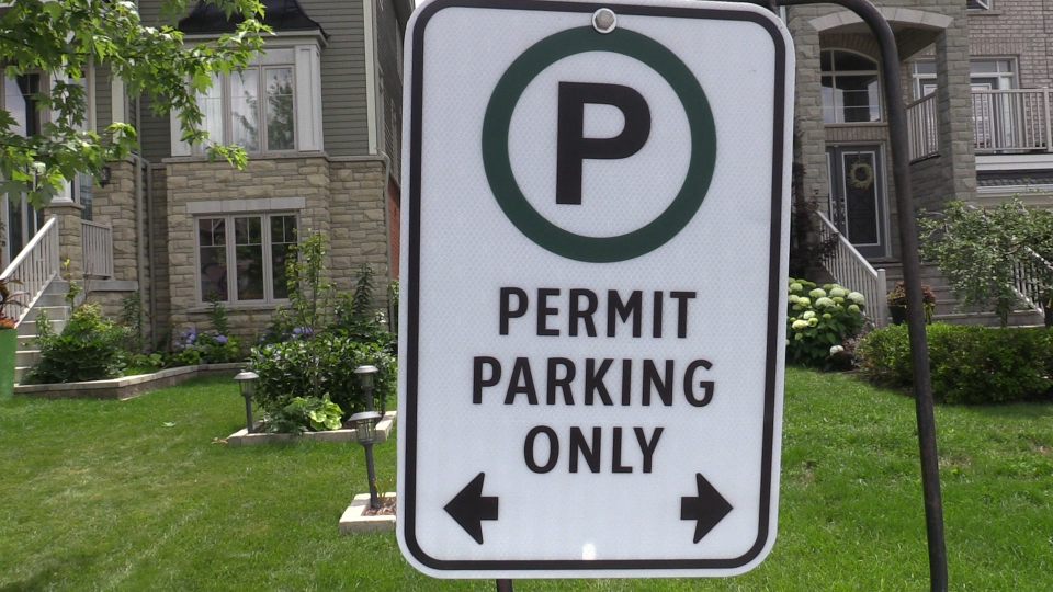The city of Barrie install street signs on Capps Drive near Wilkins Beach. Tues., July 14, 2020. (Mike Arsalides/CTV News)