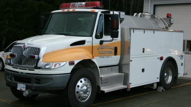 Firefighter dies after barn fire near Port Alberni