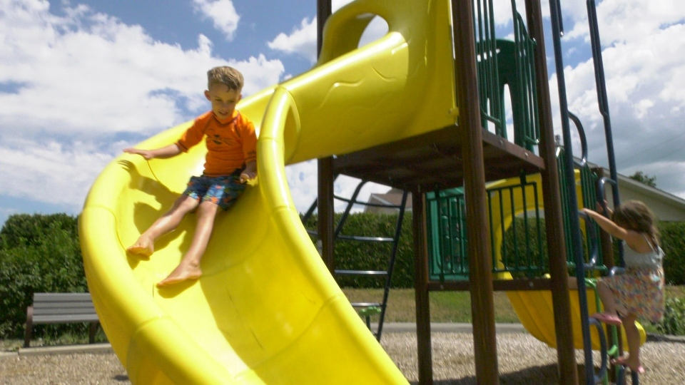 Playgrounds reopen in Ottawa