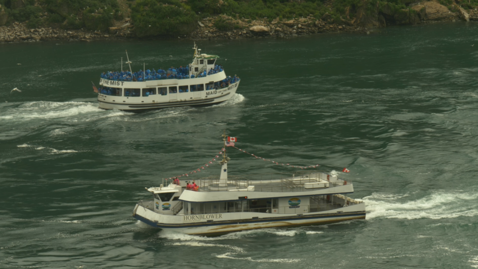 Canadian American Tour Boats At Niagara Falls Become Symbol Of Covid 19 Contrast Ctv News