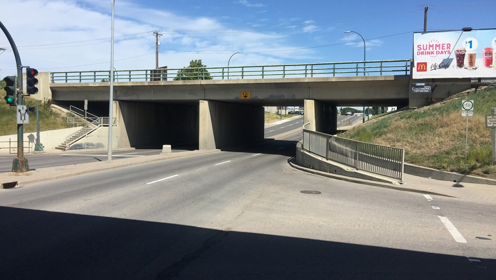 Railway, overpass, Highway 3, Mayor Magrath
