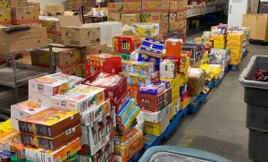 The Sudbury Food Bank recently received a large food donation from an international relief organization called Khalsa Aid Canada, which aims to provide humanitarian aid to those who are struggling. (Molly Frommer/CTV News)