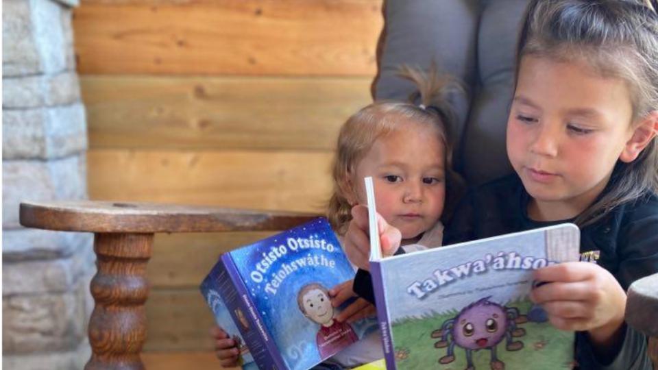 Kanien'kéha [Mohawk] kids' books