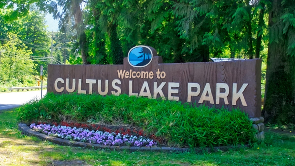 Cultus lake sign