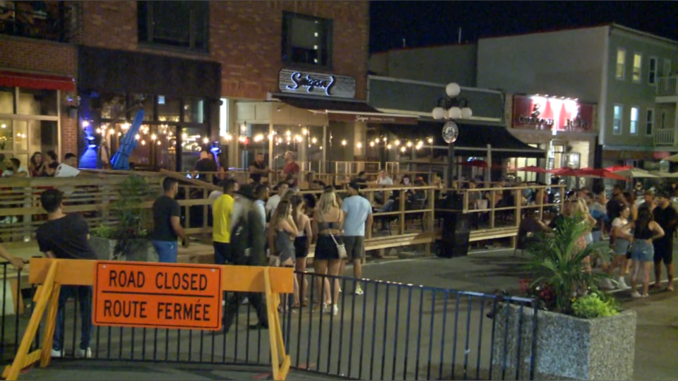 Crowds gather outside ByWard Market patios in early July 2020. (Mike Mersereau / CTV News Ottawa)