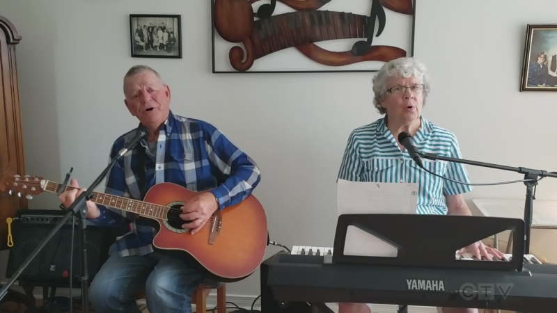 Our closing song tonight comes from Timmins. Marcel and Marie Gosselin, both in their 70s, sing you an old favourite.