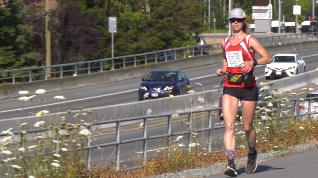 Yana Hempler running