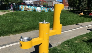 Greater Sudbury turned on the three-piece water fountain in Memorial Park on Thursday, after a successful campaign to have it restored out of concern for vulnerable people downtown. (Alana Pickrell/CTV News)