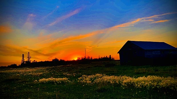 Colourful sky in Fraserwood. Photo by Cheryl K.