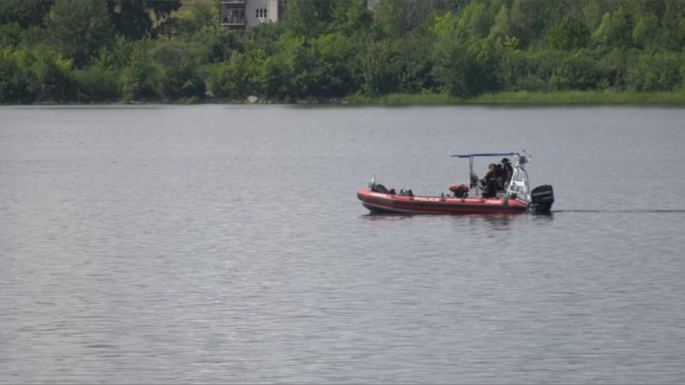 Ottawa police searched the Ottawa River Saturday for a missing man. While searching, officers were able to rescue a woman struggling in the water. (Jeremie Charron / CTV News Ottawa)