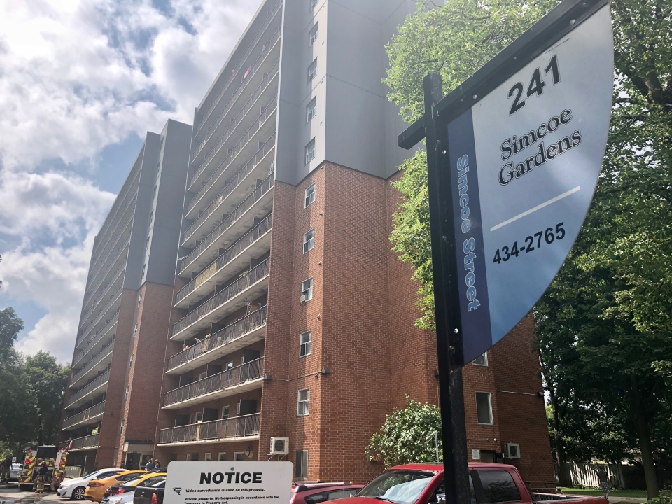 Fire crews respond to an apartment fire in London, Ont.'s Soho neighbourhood on Tuesday, Aug. 4, 2020. (Jim Knight / CTV News)