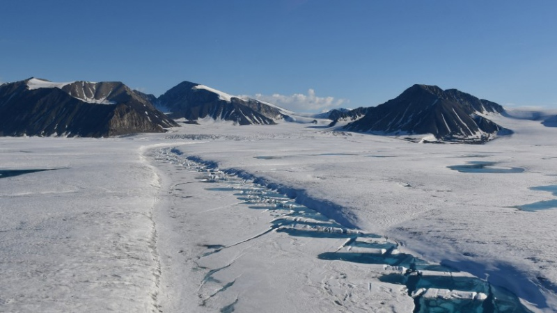 What caused ice shelf collapse?