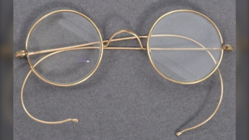 The glasses are expected to fetch more than $26,000 (£15,000) at auction. (Courtesy East Bristol Auctions)