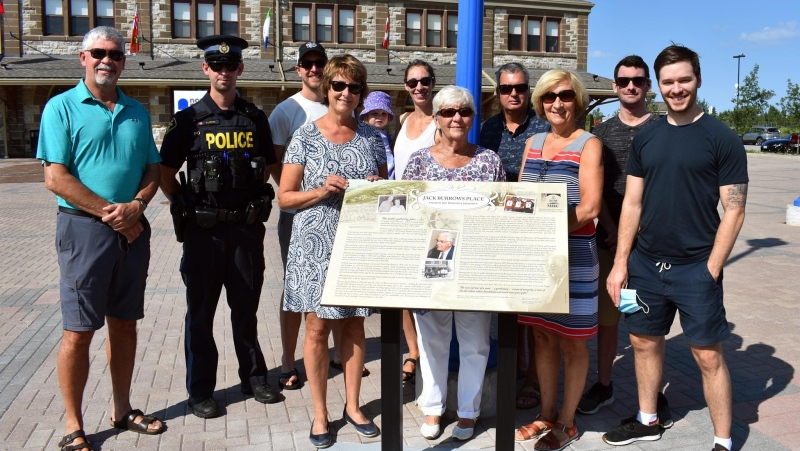 Dedication of new plaque outside the North Bay Museum honouring former mayor attended by his family. Aug. 7/20 (City of North Bay)
