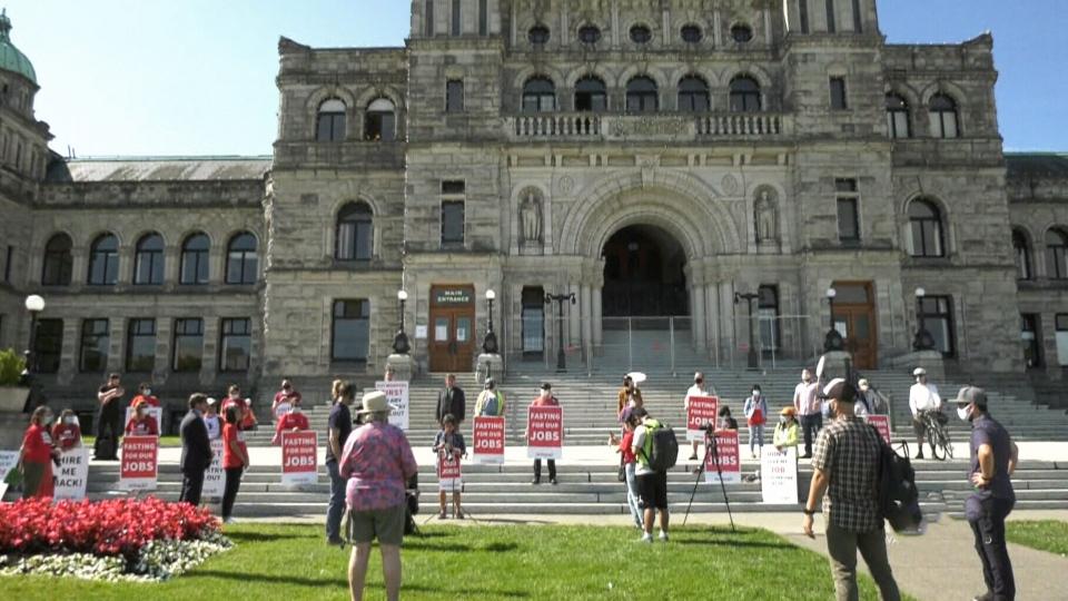 Hotel workers hold hunger strike at legislature