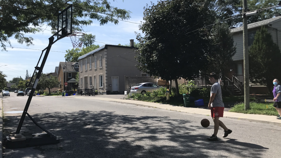 Ottawa Bylaw Services has told residents to move basketball nets off of Drummond Street when not in use. (Leah Larocque/CTV News Ottawa)
