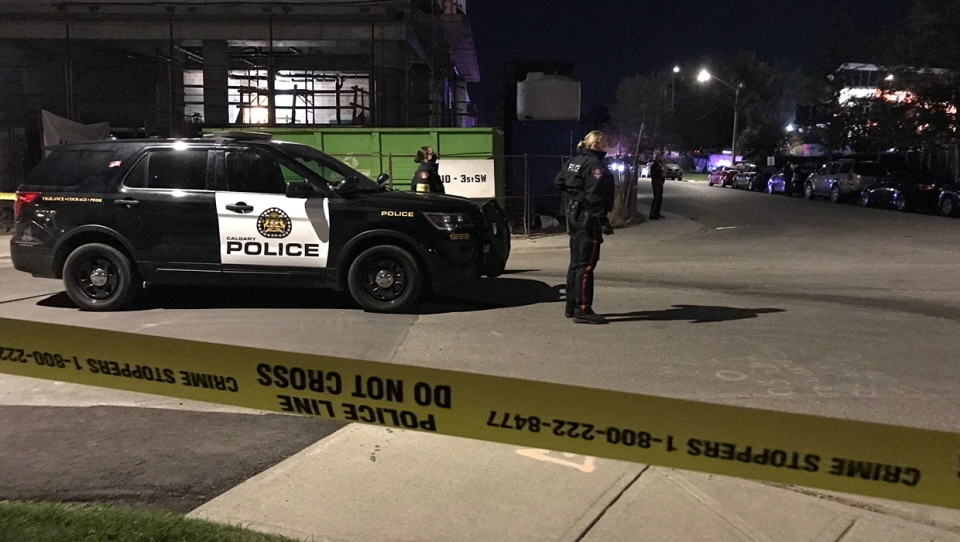The victim of an early morning stabbing died near the intersection of Macleod Trail and 55th Avenue S.W. A suspect was arrested at the Foothills Medical Centre.