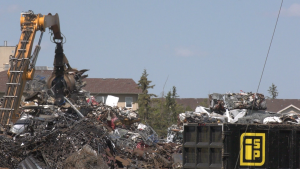 A 24-hour metal drop off business between the King George and Pleasant Hill neighbourhoods. (Laura Woodward/CTV News)