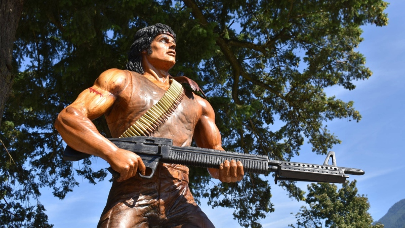 """A wood carving of the Sylvester Stallone character John Rambo is seen in Hope, B.C., where the original 1982 film """"First Blood"""" was filmed. (Emelie Peacock at the Hope Standard)"""