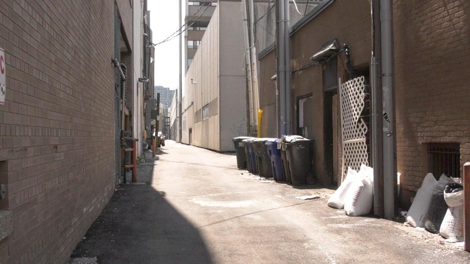 DT Windsor alley