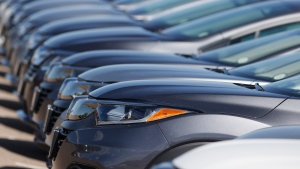 A long row of unsold cars at a Honda dealership in Highlands Ranch, Colo., on June 7, 2020. THE CANADIAN PRESS/AP, David Zalubowski