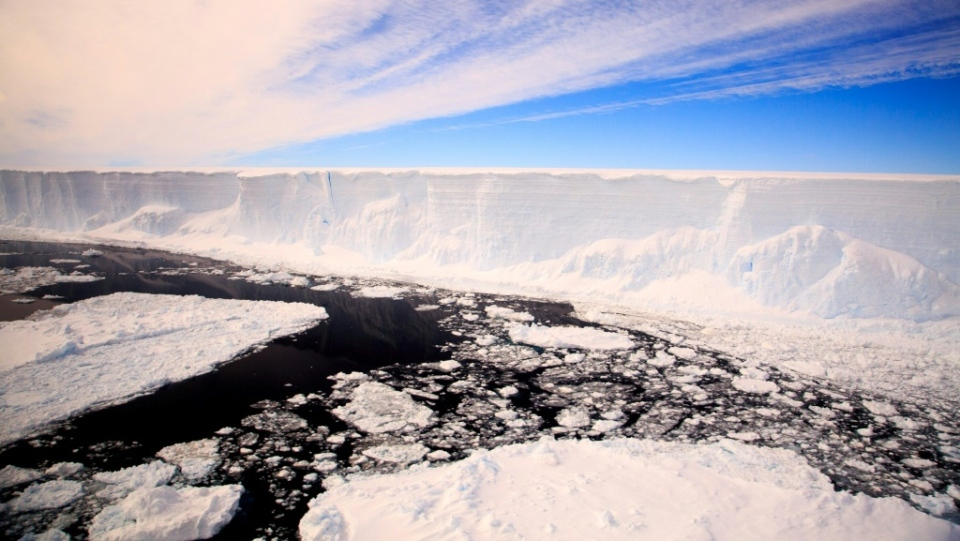 Water running into deep fissures caused by warming air is undermining the structural integrity of Antarctica's ice shelves. (AFP)