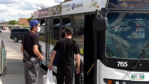 Masks mandatory on Winnipeg Transit