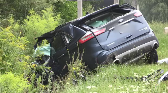 A two vehicle crash near Woodstock, Ont. left two people dead on Friday, Aug. 28, 2020. (Taylor Choma / CTV London)